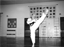 Paul high kick
